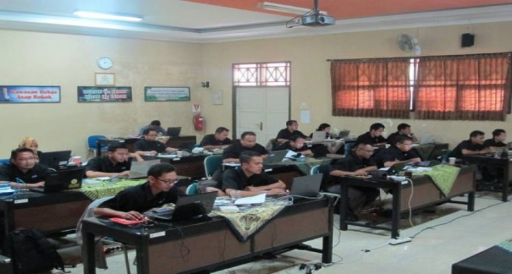 SMK Negeri 1 Gombong Menggelar MIKROTIK TRAINNING for TEACHER 2017