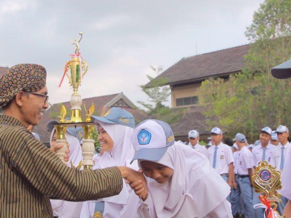 Juara I dan III Film Pendek, Karawitan Olimpiade Pariwisata #7 UGM Tk. Nasional SMA/SMK
