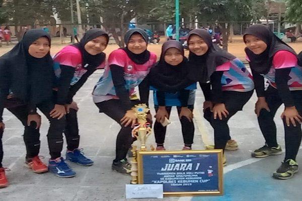 Juara 1 Voli Putri Kapolres Cup 2019