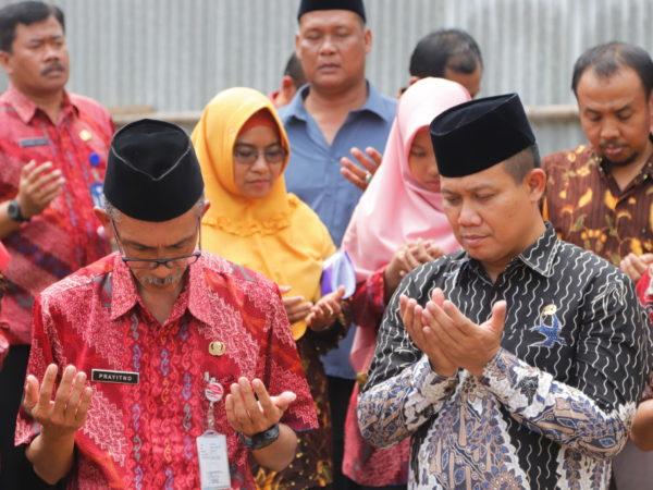 Acara Peletakan Batu Pertama Pembangunan Masjid dan Kuliah Umum Bapak Wakil Bupati Kebumen Di SMK N 1 Gombong